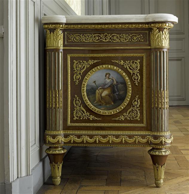 Commode de style louis xvi mus es et domaine nationaux for Alexandre jardin bibliographie
